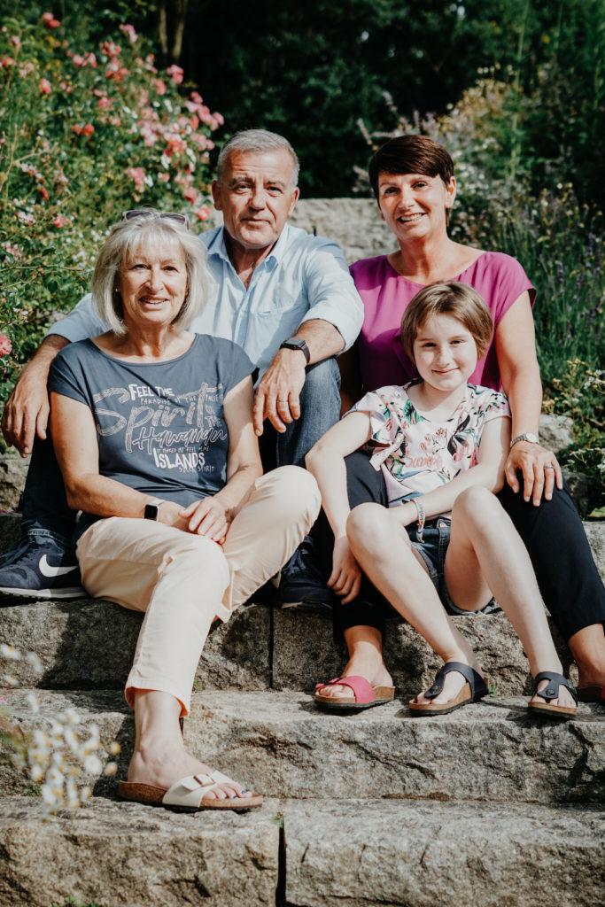 Sophie Peschke, Familienshooting, Mutter-Kind-Shooting, Vater-Kind-Shooting, Fotos mit Großmutter, Portraits, Porträt, Family Shooting