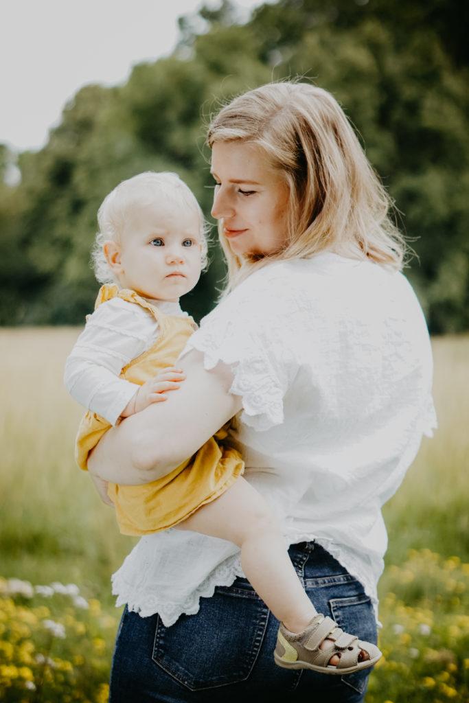 Outdoor Fotoshooting Mutter und Tochter
